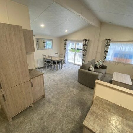 Swanley Lodge 4 600x450 1 450x450, Fairway Holiday Park Isle Of Wight