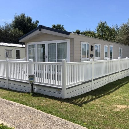 Superior Lodge Scaled 1 450x450, Fairway Holiday Park Isle Of Wight